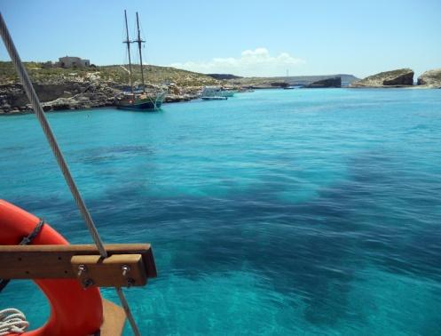 malta-kamino-blue-lagoon-pulling-in