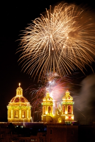 fireworks-at-village-festa